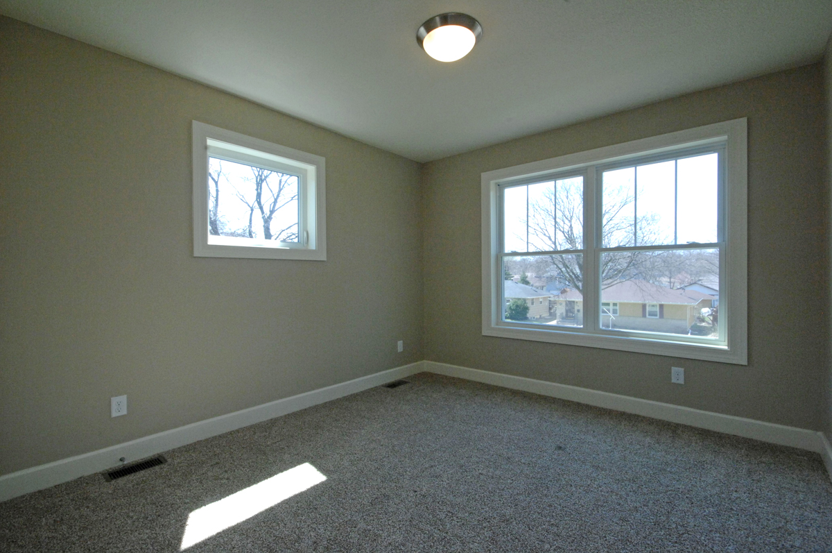 http://concepthomes.com/wp-content/uploads/2016/01/5533_girard_ave_MLS_HID880211_ROOMbedroom.jpg
